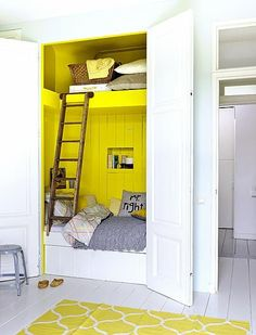 Hidden yellow bed, gorgeous #nursery #decor
