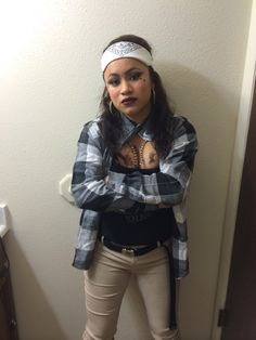 Chola makeup hair and outfit for Halloween. Make up and hair done by me E! This is my lovely sister!