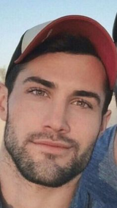 Chiseled jaw, & perfect beard for his gorgeous face. Face Men, Male Face, Beautiful Men Faces, Gorgeous Men, Handsome Faces, Handsome Man, Perfect Beard, Hair And Beard Styles, Hot Men