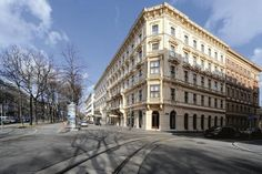 The Ritz-Carlton, Vienna, Opening on August 27, 2012  Vienna, June 19, 2012 — The Ritz-Carlton, Vienna will open on August 27, 2012, with Matthias Vogt as General Manager. The first hotel of The Ritz-Carlton Hotel Company, L.L.C. in Austria will feature 202 stylish guest rooms and suites, one restaurant, a lobby lounge, a hotel bar and a rooftop terrace.