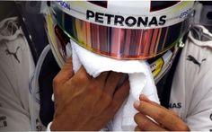 Formula 1, Hamilton shock: ecco le Pesanti Accuse alla Mercedes dopo il GP di Sepang Un ritiro difficile da digerire quello di Sepang per il campione del mondo in carica Lewis Hamilton. Motore in fumo, così come le chance di superare in classifica il compagno di squadra e rivale del  #lewishamilton #formula1