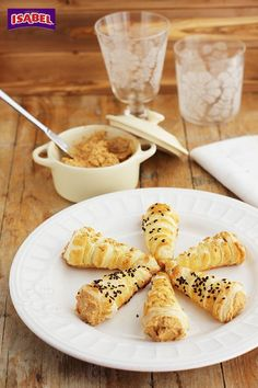 Paté casero: una receta paso a paso para hacer paté de mejillones en escabeche y presentarlo en cornetes de hojaldre. No os perdáis este aperitivo fácil.