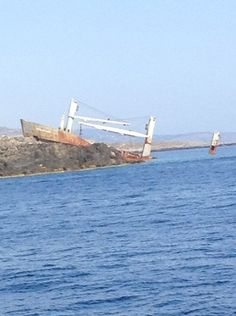 On my boat I saw a ship wreck I hope it not like the titanic ⛵️⛵️⛵️