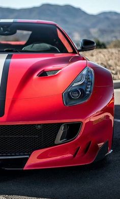 The Ferrari California was unveiled at the 2008 Paris Motor Show. The car went into production in 2008 and is still being produced by Ferrari. The car is available as a 2 door grand tourer coupe and as a hard top convertible. Ferrari F12 Tdf, Ferrari Car, Ferrari 2017, Lamborghini, Bugatti, Maserati, F12 Berlinetta, Ferrari World, Luxury Sports Cars