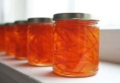 A few weeks ago Luisa wrote about some beautiful bitter orange marmalade she made. I usually do whatever Luisa tells me, and I've been wanting to make marmalade for years, so I started checking around to see if I could… Canning Recipes, Raw Food Recipes, Jam Recipes, Greek Recipes, Seville Orange Marmalade, Marmalade Recipe, Making Marmalade, Fruit And Nut Bars, Marmalade