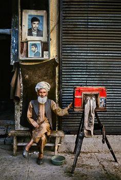 Steve McCurry . Portrait Photographer, Afghanistan, 1992