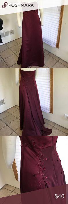 Bridesmaid dress Maroon elegant detailed dress worn once Davids Bridal Dresses Wedding