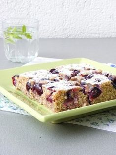 Alakbarát meggyes pite - Kifőztük, online gasztromagazin Hungarian Recipes, Hungarian Food, Summer Desserts, Sweet And Salty, Banana Bread, Sweet Tooth, Clean Eating, Food And Drink, Sweets