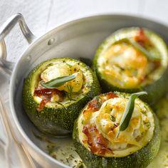 Découvrez la recette courgette ronde au four sur cuisineactuelle.fr.