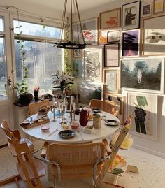 Retro Home Decor .Retro Home Decor Decoration Inspiration, Decoration Design, Deco Design, Room Inspiration, Decor Ideas, Moderne Lofts, Casa Retro, Sweet Home, Appartement Design