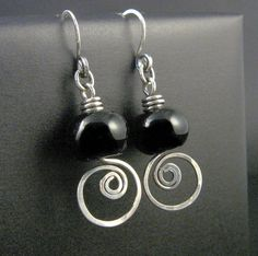 wirework earrings..I know what I will be making this weekend. Great idea!