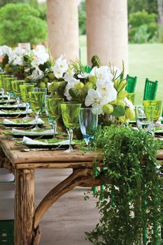 Gloriously green@ Seasons Resort and Club Dallas at Las Colinas tablescape, abundant with style.