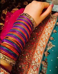 It is latest bangles you can wear it on any dress it is a latest beautiful bangles Silver Bangle Bracelets, Bangle Set, Healing Bracelets, Pakistani Jewelry, Bridal Bangles, India Jewelry, Gold Jewellery, Stylish Jewelry, Beautiful Earrings