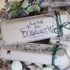 Egg Carton Rubber Stamp - Farm Stamp - Fresh Chicken Eggs - Chicken Stamp - Please Return Carton Stamp Fresh Chicken, Chicken Eggs, Lavender Stamp, Egg Stamp, Star Farm, Custom Rubber Stamps, Farm Stand, Wood Stamp, Cute Packaging