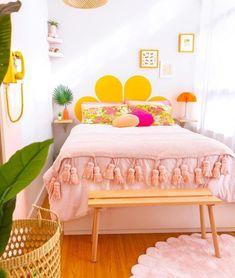 retro home decor trends Diy Home Decor Bedroom, Bedroom Ideas, Decor Room, Diy Home Decor Easy, Bedroom Colors, Diy Décoration, Easy Diy, Diy Crafts, Retro Home Decor