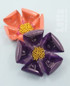 Turn plastic bottles into magnolia brooches