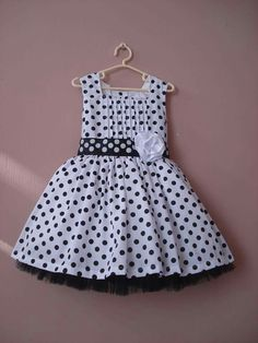ideas fashion girl toddler polka dots for 2019 Baby Girl Fashion, Fashion Kids, Dresses Kids Girl, Kids Outfits, Baby Frocks Designs, Baby Dress Design, Baby Dress Patterns, Kids Frocks, Toddler Dress