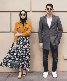 Fk ile çekilmişiz ,paylaşmamam söz konusu bile olamaz 🤜🏻 Çünkü can… Modern Hijab Fashion, Street Hijab Fashion, Muslim Fashion, Fashion Outfits, Hijab Casual, Hijab Chic, Hijab Mode Inspiration, Fashion Photography Inspiration, Prewedding Hijab