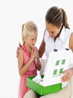 Understanding Some of The Most Basic First Aid Procedures For Children Health Class, Health Guru, Health Trends, Healthy Women, Stylish Hairstyles, Latest Hairstyles, Fitness Workouts, Fitness Tips, Health Fitness