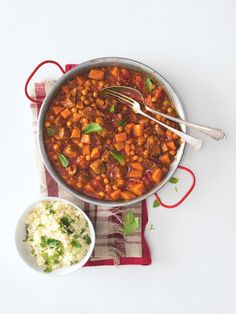 Jeden den k večeři marocké ragú a druhý den krémová polévka... Dvě lahodná jídla a pouze jedno vaření? Takové počty máme rádi!