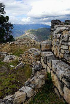 Stones in Kuelap   ///   Northern Peru 2012 > Cordillera Huayhuash > Chachapoyas > Kuelap
