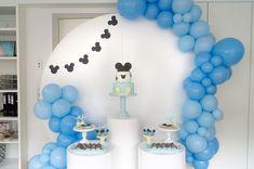 Ideias para chá de bebe menino. Ideias para baby shower menino. Ideias para festa baby Mickey #chadebebe #chadebebemenino #babyshower #babyshowermenino #ideiaschadebebe #babyshowerideas #boybabyshower #babymickey #decoracaochadebebe #babyshowerdecorations #mickeyazul #bluemickey #chadebebemickey #babyshowermickey #festababymickey #mickeypartyideas #cakepops #mickeycakespops #decoratedcookies #bolachasdecoradas #bolachasmickey #sweettable #mesadedoces Baby Shower, Cake Pops, Baby Mickey, Desserts, Candy Table, Toddler Girls, Party, Blue Nails, Baby Sprinkle Shower