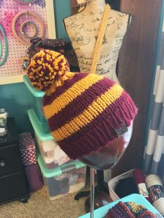 This hat is headed off to its forever home. visit my site where all the houses are available! Loom Knitting Patterns, Knitting Ideas, Crochet Patterns, Diy Crochet, Crochet Ideas, Harry Potter Hat, Loom Hats, Baby Boy Booties, What House