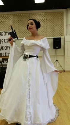 Disney Princess Leia by Camille Elladan #Cosplay. #StarWars #DisneyPrincess  sc 1 st  Pinterest & Leiau0027s Belt How-to u2026 | Trick oru2026