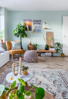 The Essential Decorating Tips for a Mesmerizing Green Room Orange Rooms, Green Rooms, Blue Rooms, Pink Room, Bedroom Turquoise, Turquoise Walls, Room Wall Painting, Room Paint, Bathroom Wall Colors