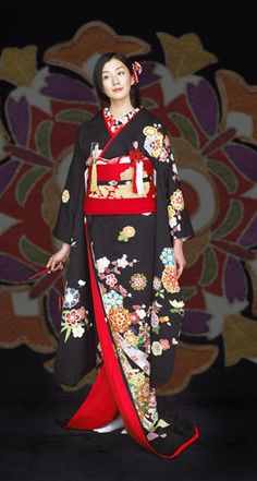 Japanese KIMONO for wedding More Traditional Japanese Kimono, Traditional Fashion, Traditional Dresses, Traditioneller Kimono, Kimono Japan, Yukata, Orientation Outfit, Kimono Design, Japanese Costume