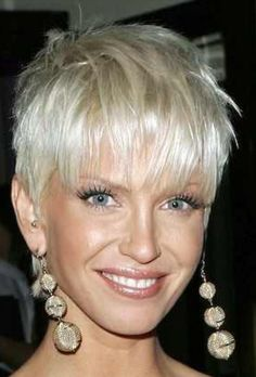 This is the way my hair should look tomarrow,,,just not blond,but in a week or so i will have blond streaks. Short Sassy Hair, Short Grey Hair, Cute Hairstyles For Short Hair, My Hairstyle, Short Hair Cuts, Short Hair Styles, Blonde Wavy Hair, 2015 Hairstyles, Hair Affair