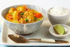 This Mild Chicken Curry is light but creamy with Nestlé Carnation Evaporated Milk. Serve with a bowl of steaming Jasmine rice. Chicken Korma Recipe, Chicken Curry, Chicken Recipes, Curry In A Hurry, Crockpot Recipes, Cooking Recipes, Baked Vegetables, Lunches And Dinners, Yummy Food