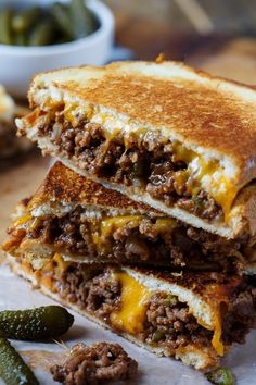 It's sloppy joe meets grilled cheese and it's a match made in heaven! These Sloppy Joe Grilled Cheese Sandwiches are just plain ridiculous! Croque Mr, Grilled Cheese Sloppy Joe, Grilled Cheese Burger, Sloppy Joes Recipe, Good Food, Yummy Food, Tasty, Healthy Food, Slow Cooked Meals