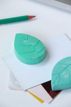 Pisa papeles con moldes de silicona