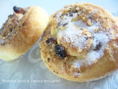 Chocolate and almonds rolls