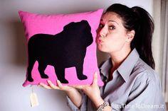 Personalized Bulldog pillow, English Bulldog, fluo pink and black, dog pillows, decorative pillows, pet portrait, coj�n del sof�, cushions