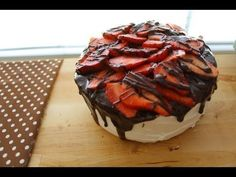 Easy Strawberry Chocolate Cake (how to decorate a cake)