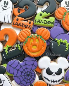 Mickey & # s Halloween Party cookies for a sweet little boy's birthday !, Mickey & # s Halloween Party cookies for a sweet little boy's birthday ! I'm in Halloween cookies this … Halloween 1st Birthdays, Halloween First Birthday, Disney Halloween Parties, Minnie Mouse Halloween, Mickey Birthday, Mickey Party, Halloween Desserts, Halloween Cakes, Halloween Fun