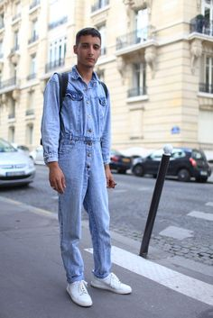 The best mood indigo ever - Paris Men& Fashion Week street style New Clothing Trends, New Mens Fashion Trends, Mens Fashion Week, Fashion News, Men's Fashion, Spring 2015 Fashion, Fashion Week Paris, All Jeans, Best Jeans