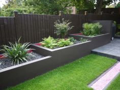 Celine David Creative Landscapes Even if the topography of your backyard snakes into a steep slope, you can reshape this unique landscape by terrac… - myeasyidea sites Terrace Garden Design, Back Garden Design, Modern Garden Design, Garden Landscape Design, Landscaping Retaining Walls, Front Yard Landscaping, Modern Backyard, Backyard Patio, Small City Garden
