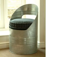 Beer barrel chair - love this.
