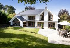 5 bedroom detached house for sale in Stonehouse Road, Halstead, Sevenoaks, Kent - Rightmove. Style At Home, Grand Designs Houses, House Extension Plans, Bungalow Renovation, Dream House Exterior, House Extensions, Facade House, House Goals, House Front