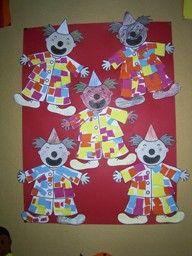 www.jufjanneke.nl | Knipoefening voor de jongsten: knip stukjes van een strook en plak die op de clown.