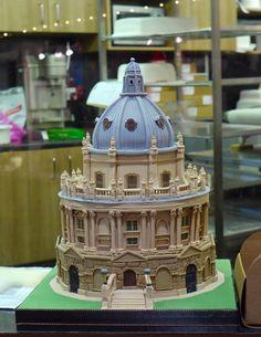 Wow!!!! Amazing! #Cake (University of Oxford) Cake Sculpture