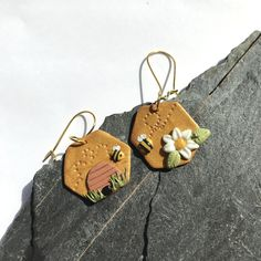 Diy Earrings Polymer Clay, Easy Polymer Clay, Polymer Clay Kawaii, Polymer Clay Christmas, Polymer Clay Animals, Polymer Clay Miniatures, Fimo Clay, Polymer Clay Projects, Clay Beads