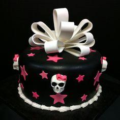 Girly Skulls Cake with Bow  @Blanca Carlson Acevedo Villalba