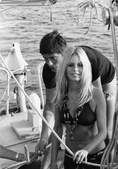 "glorious-queens: ""Brigitte Bardot and Alain Delon, 1968 "" Bridgitte Bardot, George Northwood, Hair Icon, Vintage Bathing Suits, Young Celebrities, Claudia Cardinale, Alain Delon, Summer Goals, Saint Tropez"