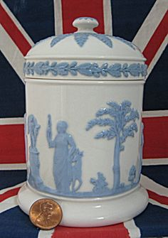 Wedgwood Queens Ware Box Cylinder Lidded Sacrifice Figures 1960s