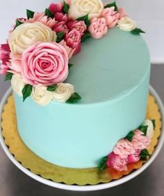 Buttercream Cake Designs, Cake Icing, Buttercream Frosting, Cake Decorating Designs, Cake Decorating Techniques, Beautiful Birthday Cakes, Beautiful Cakes, Baking Cupcakes, Cupcake Cakes