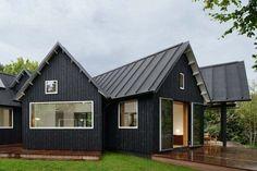54 Ideas for house exterior modern black metal roof Metal Roof Houses, House Roof, Minimalist House Design, Minimalist Bedroom, Minimalist Kitchen, Minimalist Decor, Minimalist Interior, Minimalist Living, Modern Minimalist